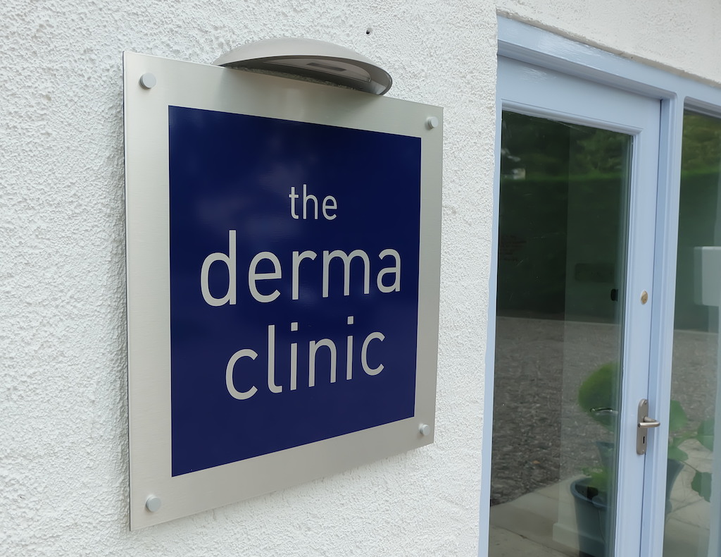 the derma clinic sign